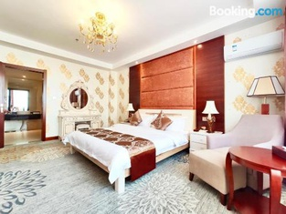 Golden Peacock Hotel Blantyre