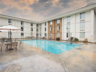 Red Roof Inn Knoxville Central – Papermill Road