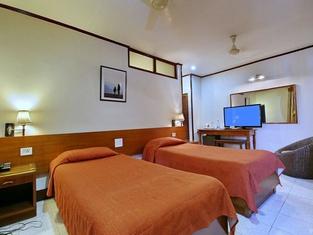 Marinas Motel