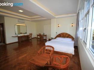 Hotel Varanathi