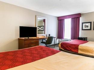 FairBridge Inn & Suites Fort Wayne
