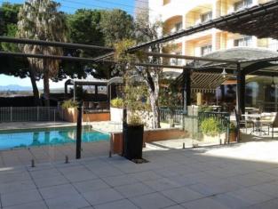 Hotel The Originals Perpignan Le Mas des Arcades (ex Qualys-Hotel)