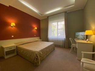 Diligence Hotel