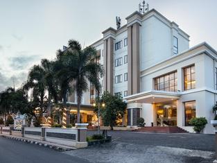 ホリソン ウルティマ リス ホテル マリオボロ ジョグジャカルタ