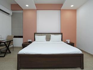 Spot ON 68586 Hotel Parijat