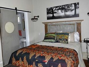 Brazos River Cabin - Studio Cabin