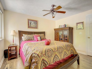 Ideally Located Westminster Home - Sleeps 13!