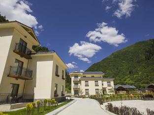 Golden Phoenix Resort