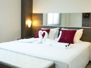 Benos Hotel