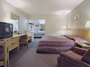 University Inn & Suites Brownsville