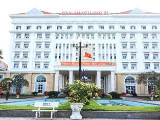 Ban Thach Riverside Hotel & Resort