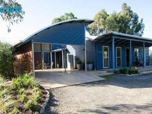 Corrugated Cottage