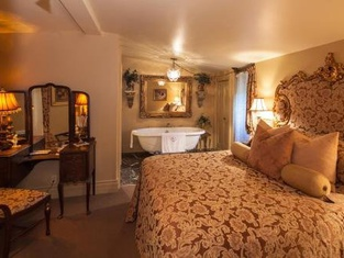 Russell Manor Bed & Breakfast