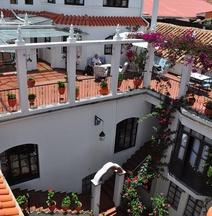 El Hotel de Su Merced