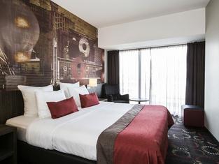 โรงแรมคราวน์ ไอนด์โฮเฟน เซ็นเตอร์