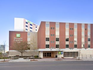 Holiday Inn Express Hotel & Suites Austin Downtown