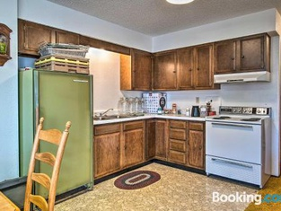 HighPlaines Haven Apt - Fish, Hunt and Relax!