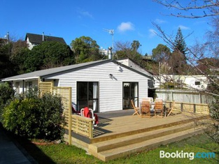 Relax at Raumati - Raumati South Holiday Home