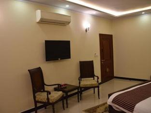 Hotel de Raj Sialkot