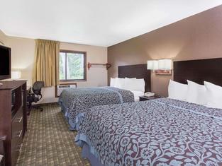 Days Inn & Suites by Wyndham Waterloo