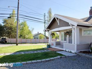 Cozy Home Close to Downtown Tacoma
