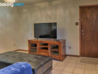 Laredo Guest Home With Yard-4 Mi to Lake Casa Blanca