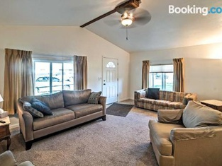 Billings Apartment Easy Access to Trails and Parks!