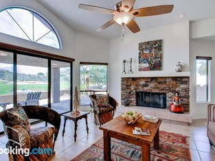 Country Club Home 2BR, 2 BA and Den About 1 Mi to Golf!