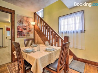 Charming Home, Near University and Attractions!