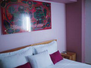Kamaleb Farallones Hotel