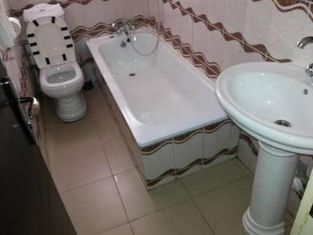 Room in Lodge - Kim Royal Hotel And Suitesnew, fresh, Luxurious and Affordable Hotel in Asaba
