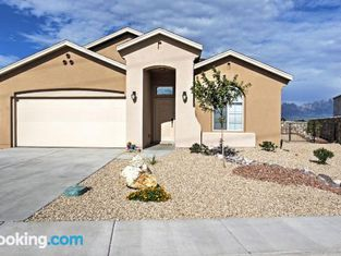 Las Cruces Home With Patio and Organ Mountain Views!