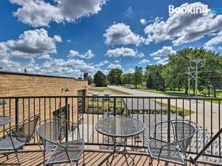 Homey Apartment About Walk to Downtown Yankton!