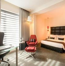 Aauris Hotel