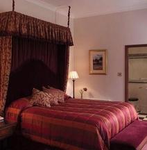 マクドナルド ノーウッド ホール ホテル