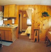 Wagon Wheel Cabin