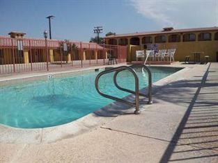 Sun Valley Inn & Suites