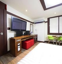 Castle Motel Iksan
