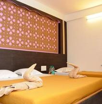 Hotel Malhar Palace