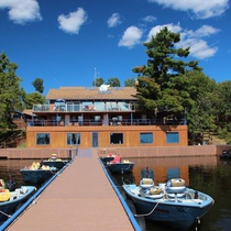 Wiley Point Lodge – Boat in access