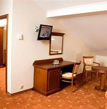 普拉哈阿卡達酒店