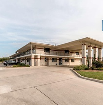 Motel 6 San Antonio - South Ww White Road