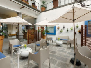 Descanseria Hotel Business and Pleasure
