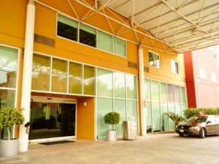 Courtyard Monterrey San Jeronimo/Valle
