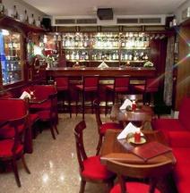 安缇卡帕纳达酒店