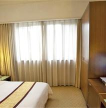 Carrianna Hotel
